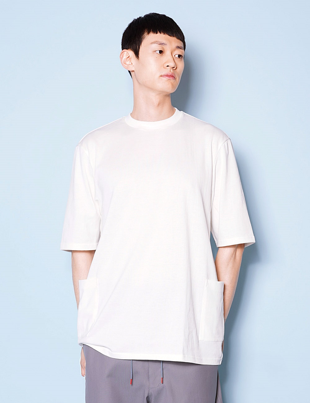DIGAWEL : POCKET T-SHIRT (OFF WHITE)