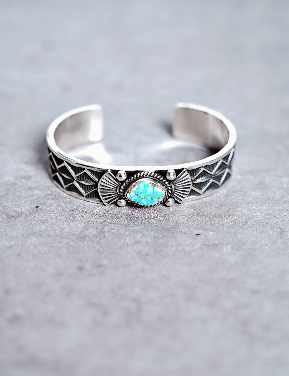 NATIVE AMERICAN JEWELRY : ANDY CADMAN - SILVER w/TURQUOISE BRACELET