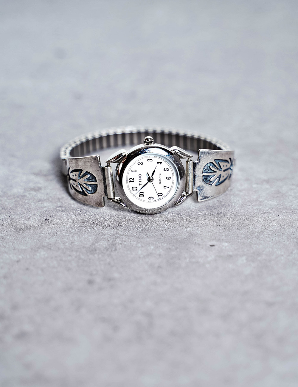 NATIVE AMERICAN JEWELRY : VINTAGE SILVER WRIST WATCH