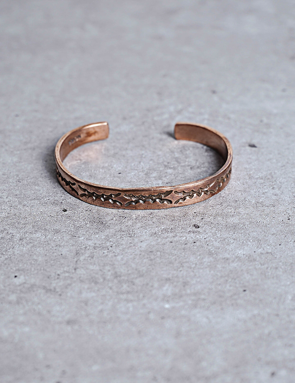 NATIVE AMERICAN JEWELRY : NORA BILL - COPPER BRACELET